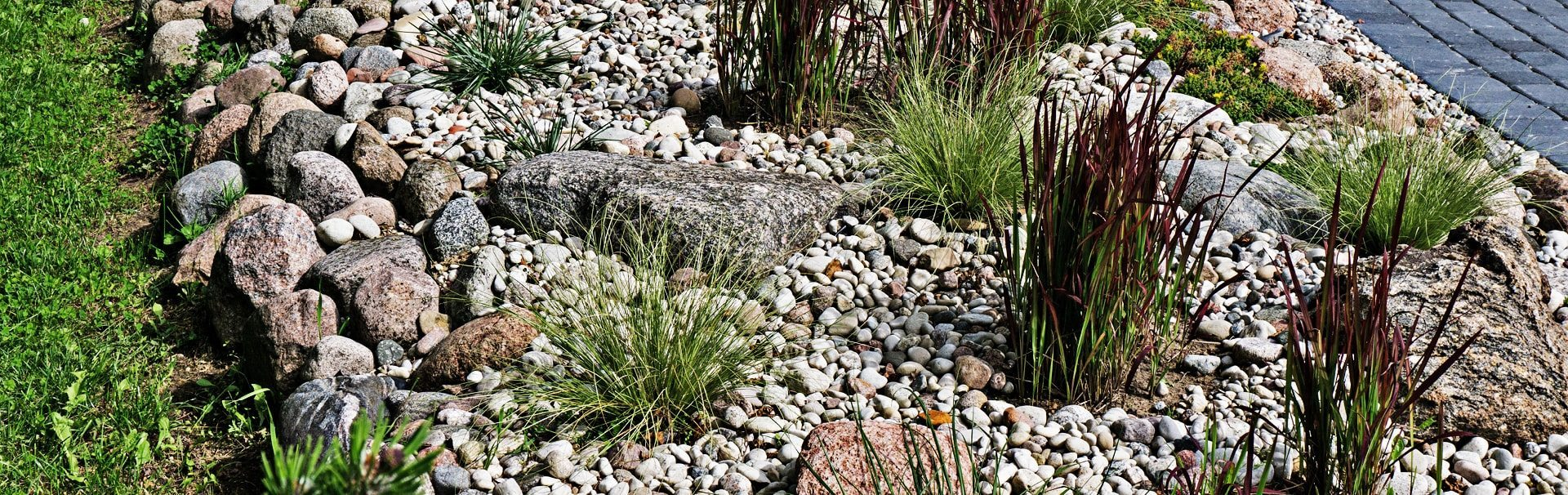 stone landscaping pebbles