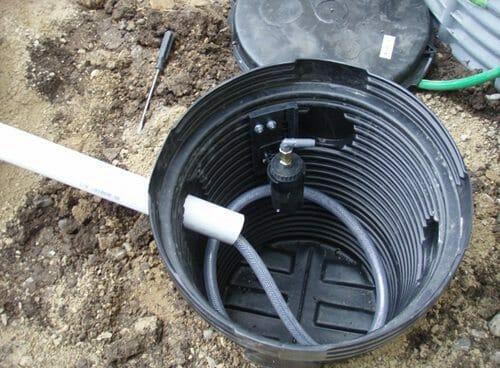 Aut0-Fill regulator installed in the reservoir