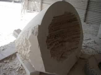 carving-a-stone-bathtub-2