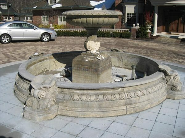 This fountain located in Michigan is only 3 years old!