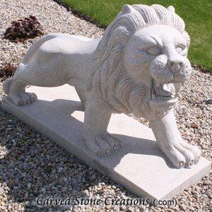 Walking Lion Statue Pair, Giallo Fantasia
