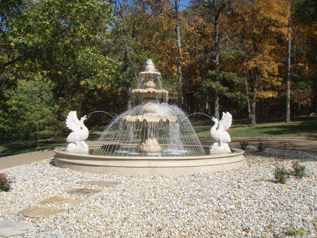 3 Tiered large fountain