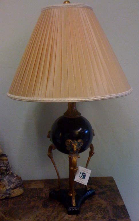 Mosa Black Marble Rams Head Lamp